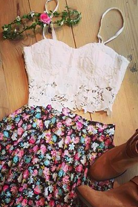 LOVELY WHITE LACE DRESS PRINTED PIECE SUIT